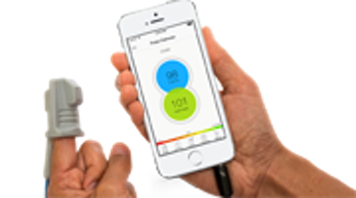 Content Dam Diq Online Articles 2015 04 The Phone Oximeter Phone And Sensor 180 100