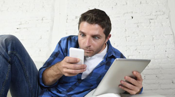 Content Dam Diq Online Articles 2015 11 Cell Phon Addict Thmb