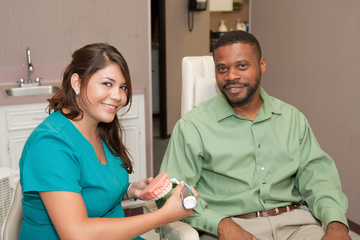 Shutterstock 33072922 Helping Patient