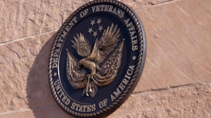 Content Dam Diq Online Articles 2016 12 Veterans Affairs Dentist Thumb