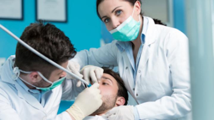 Content Dam Diq Online Articles 2017 06 Dental Assisting Extern 1