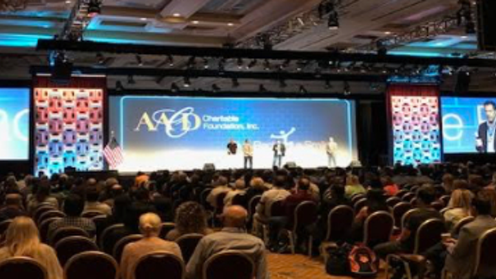Content Dam Diq En Articles Apex360 2017 07 New Trends And Lectures By Legends In Aesthetic Dentistry At The 2017 Aacd Conference In Las Vegas Leftcolumn Article Thumbnailimage File