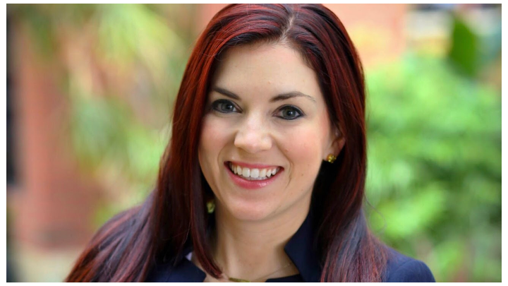 Amber Auger Headshot