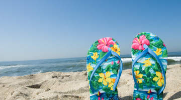 Content Dam Diq Online Articles 2019 04 Flip Flops On The Beach Diq Tn
