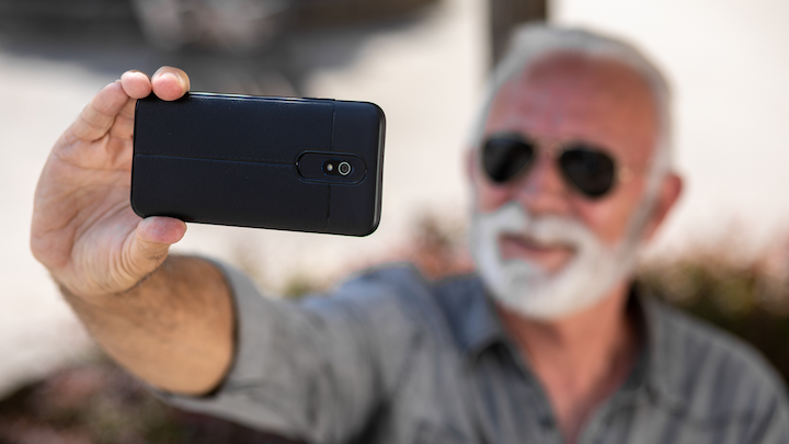 If you can take a selfie, you can start a consultation.